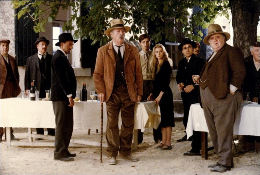 Un film de Claude Berri en 1986 avec Yves Montand, Daniel Auteil et Emmanuelle Béart ...