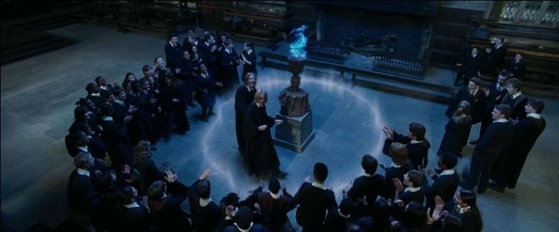 """Finalement, en 1994, le Ministère de la Magie, après avoir pris les mesures qui s'imposaient, annonce la tenue d'un nouveau Tournoi. Les sorciers postulant à la compétition doivent avoir la Majorité Magique. Mais à quel âge est-elle fixée dans """"Harry Potter et la Coupe de Feu"""" ?"""