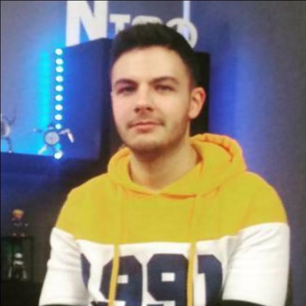 """Lequel de ces youtubeurs fait des vidéos avec """"Nico"""" ?"""