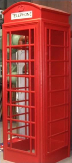 Quel numéro faut-il composer dans la cabine téléphonique pour pouvoir entrer au ministère ?