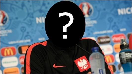 Qui est le sélectionneur de l'équipe de Pologne de football ?