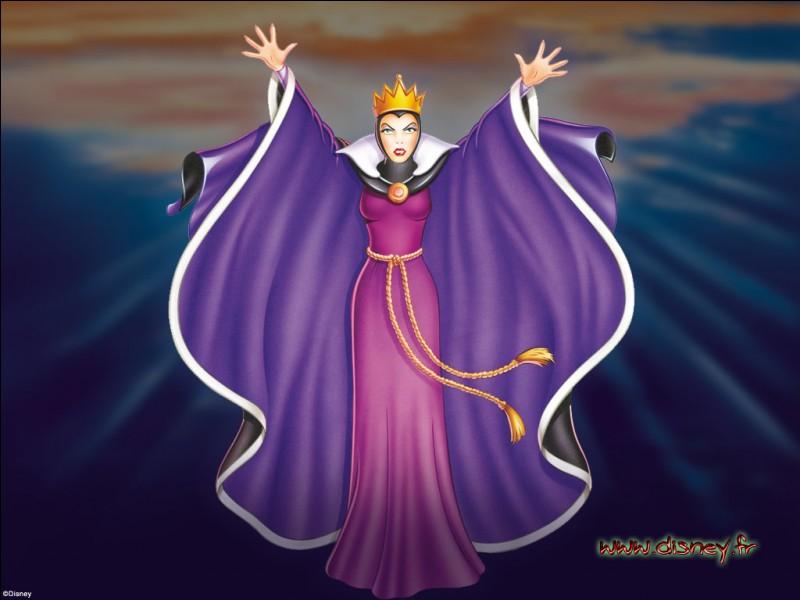 """La méchante reine de """"Blanche-Neige"""" veut-elle le cœur de la princesse ou la rendre moche ?"""