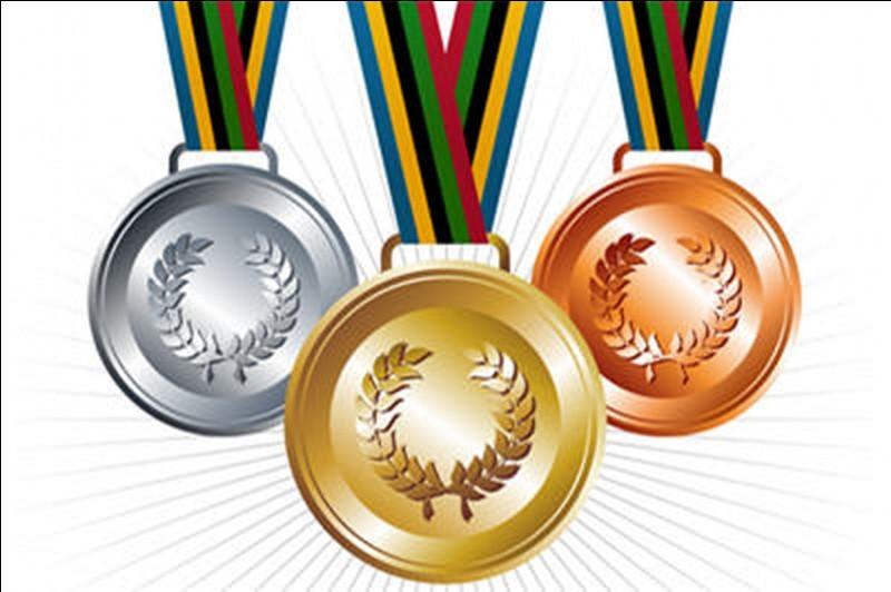 Ce n'est qu'aux Jeux Olympiques de 1904 que l'ordre or, argent, bronze est devenu le standard des jeux. Mais lors des Jeux Olympiques de 1896, laquelle de ces médailles était remise au perdant ?