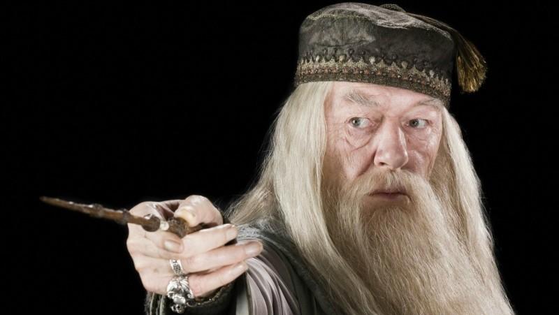 Notre directeur préféré est Albus Dumbledore. Est-il mort ou vivant ?