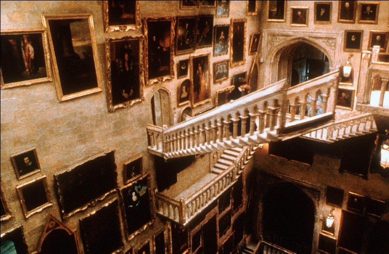Combien y a-t-il d'escaliers à Poudlard ?