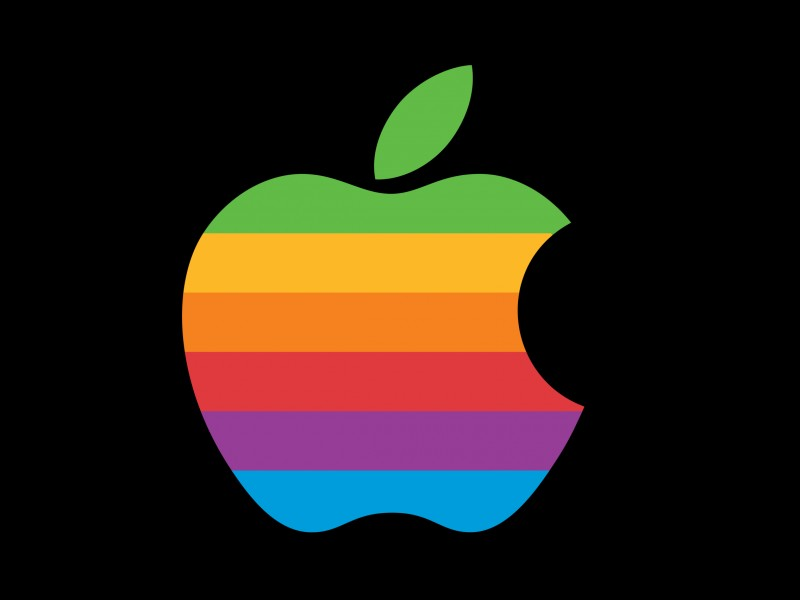 Quelle est la couleur du logo actuel d'Apple ?