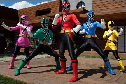 Après un an d'absence, c'est en 2011 qu'une nouvelle équipe de Power Rangers aux allures de Samouraï voit le jour. Quelle est la couleur du sixième Ranger ?