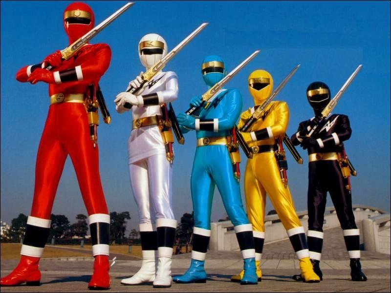 En 1996, les Rangers ont été transformés en enfants . Ils ne pouvaient plus défendre la Terre contre les monstres. Zordon, le mentor de nos héros, avait demandé aux Aliens Rangers de venir sur notre planète pour combattre les ennemis. Mais ces Rangers ont besoin d'un élément pour vivre, qu'est-ce ?