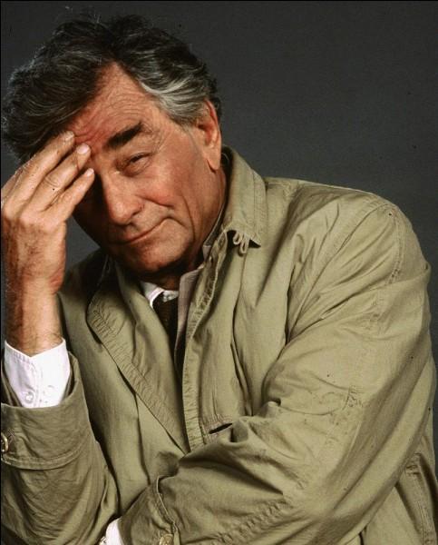 Qui joue l'inspecteur de la police nommé Columbo dans la série du même nom ?