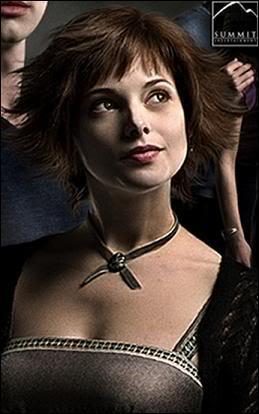 Quel est le nom complet de l'actrice qui joue Alice?