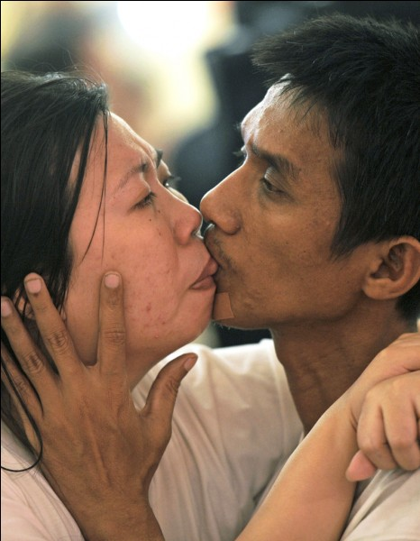 Quel record du monde du plus long baiser un couple thaïlandais détient-il ?