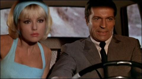 """Dans quelle ville y-a-t-il une """"Furia"""" pour l'agent OSS 117, dans le film d' André Hunebelle ?"""