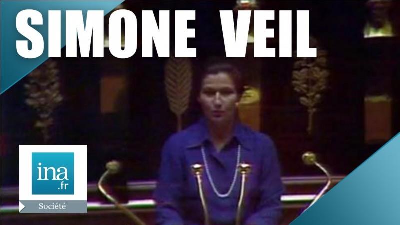 En quelle année a été promulguée la loi Veil sur l'interruption volontaire de grossesse en France ?