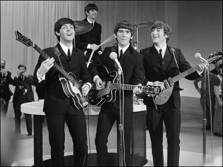 """""""XXX ma belle sont des mots qui vont très bien ensemble très bien ensemble...I love you, I love you, I love you..."""" : ce succès des Beatles a pour titre un prénom féminin français, lequel ?"""