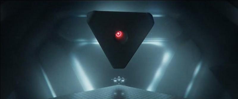 """Dans """"Oblivion"""" (2013), qui supervise les missions terrestres depuis une station spatiale ?"""