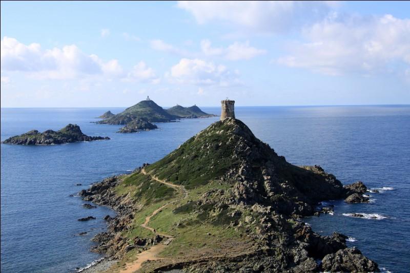 La Grande Sanguinaire est le plus grand îlot de l'archipel des Sanguinaires, classé Natura 2000, au large de ...