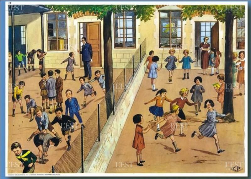 Avant 1870, les filles étaient exclues de la scolarité.
