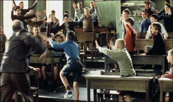Les élèves sont indisciplinés et font grand bruit, c'est le...