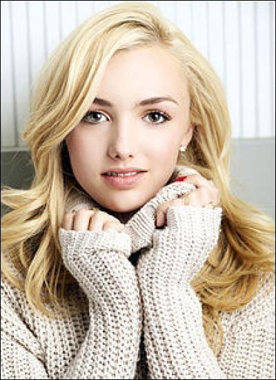 Comment s'appelle la fille qui veut voler l'amoureux d'Emma ?