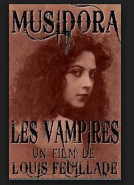 Elle fut révélée au public dans les années 1915-1916 à travers le personnage d'Irma Vep (anagramme de Vampires). Quel est ce costume lui ayant permis d'être consacrée première vamp du cinéma ?