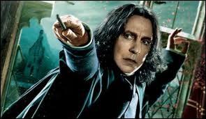 Quelle affirmation concernant le professeur Rogue est fausse ?