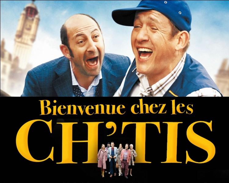 """Quel temps fait-il lorsque Kad Merad arrive dans le Nord-pas-de-Calais dans """"Bienvenue chez les Ch'tis"""" ?"""