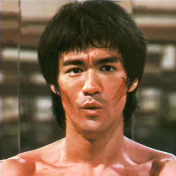 B - De quelle nationalité était Bruce Lee ?