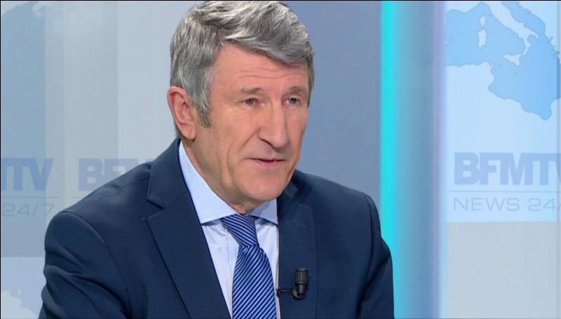 Qui est cet homme politique attaché à la Vendée ?