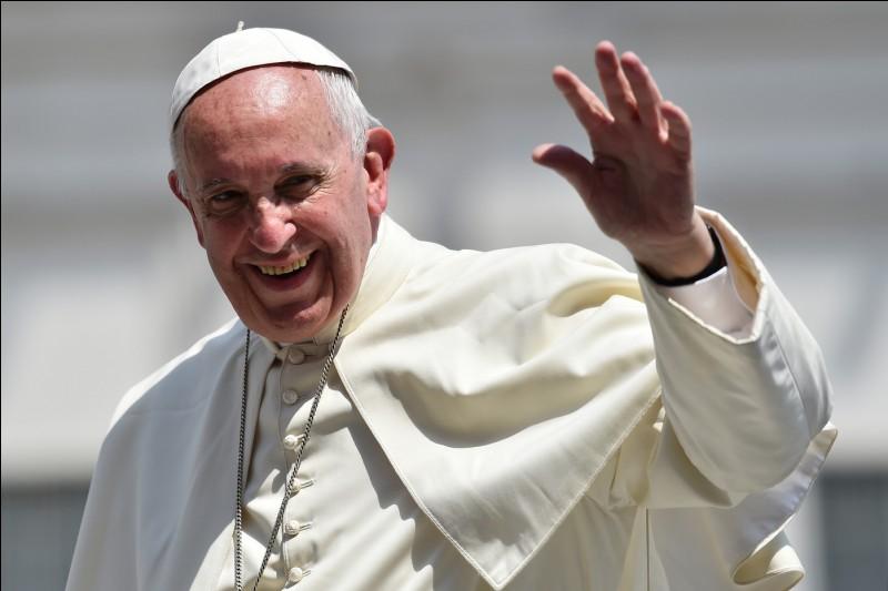 Le plus petit état du monde est le Vatican !