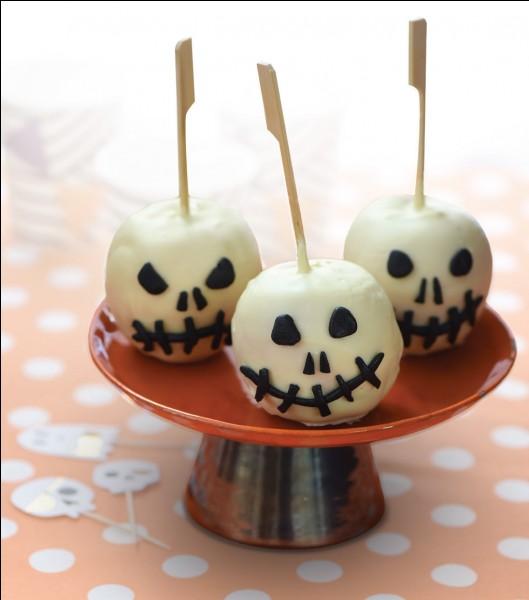 Que mange-t-on traditionnellement le jour d'Halloween en Grande-Bretagne ?