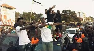 """Complétez les paroles du refrain : """"Je suis à l'ouest (......, Bamako, Dakar, Abidjan)À l'ouest, à l'ouest"""""""