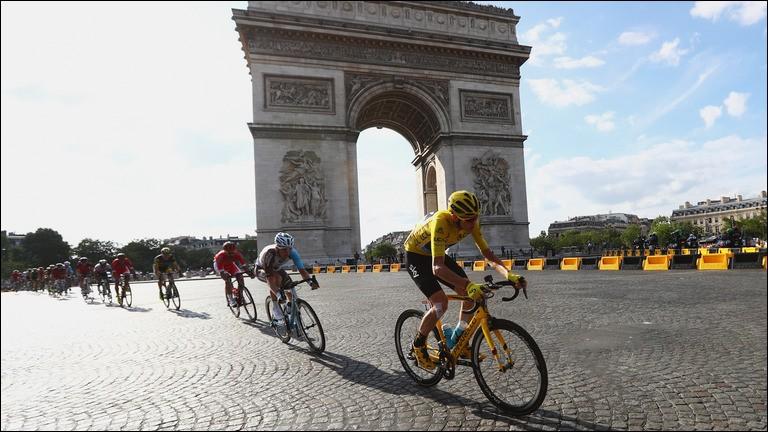 Quel sprinteur a remporté le mythique sprint massif aux Champs Elysées ?