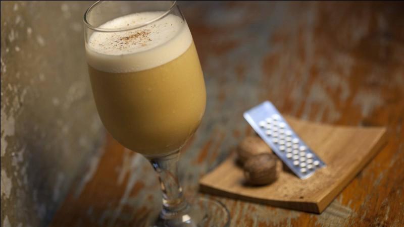 """Le cocktail appelé """"flip"""" est préparé à base de vin ou d'un alcool auquel on ajoute un œuf, du sucre, de la muscade et divers arômes."""