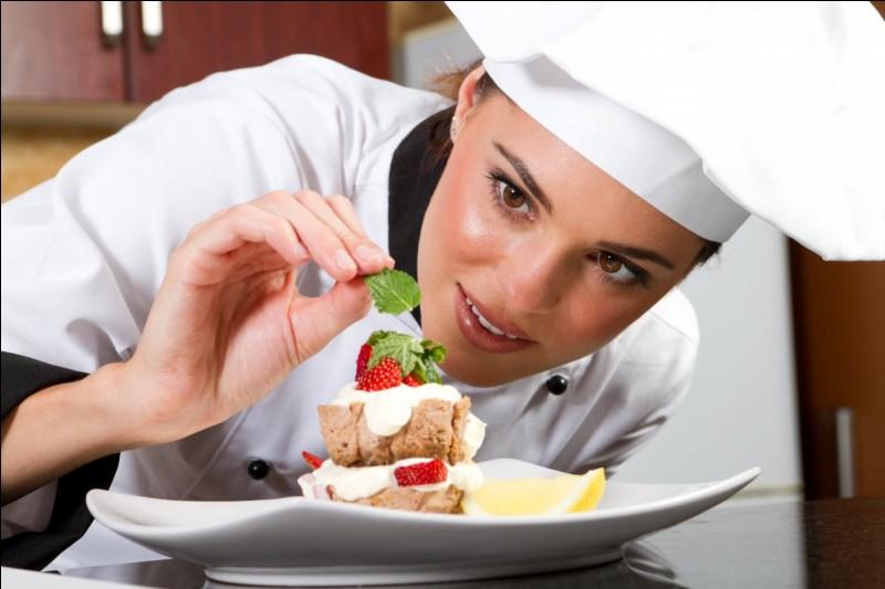 Toutes ces questions m'ont donnée faim. Pas vous ? Comment appelle-t-on une personne qui est douée en cuisine ?