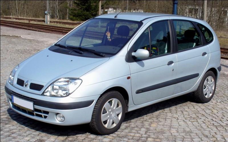 Auto - Quelle est la marque de cette voiture ?