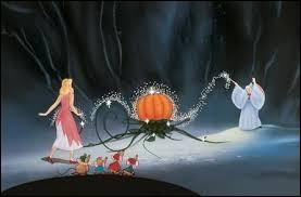 Dans quel Disney voit-on une citrouille se transformer en carrosse grâce à de la magie ?