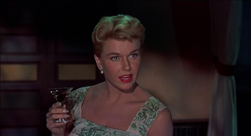 """Dans le film """"L'Homme qui en savait trop"""", quel est le titre de la chanson qu'interprète Doris Day ?"""