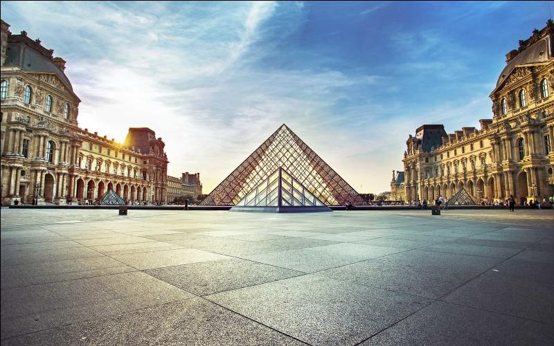 Paris est la ville la plus peuplée d'Europe. Vrai ou faux ?