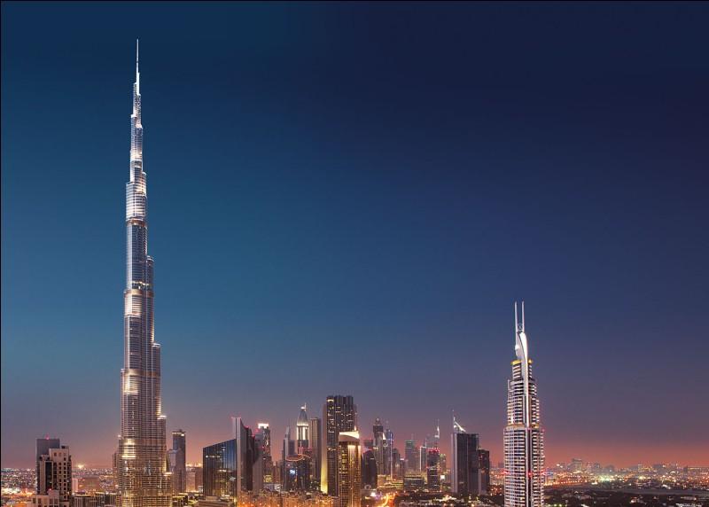 Le plus haut bâtiment du monde se situe à Dubaï. Vrai ou faux ?