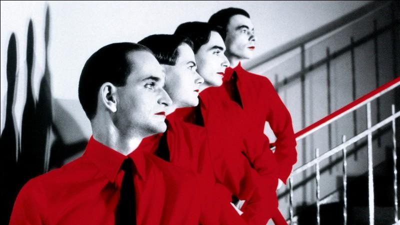 "Le groupe ""Kraftwerk"" est allemand."