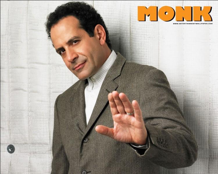 C'est Tony Shalhoub qui incarne Monk dans la série du même nom.