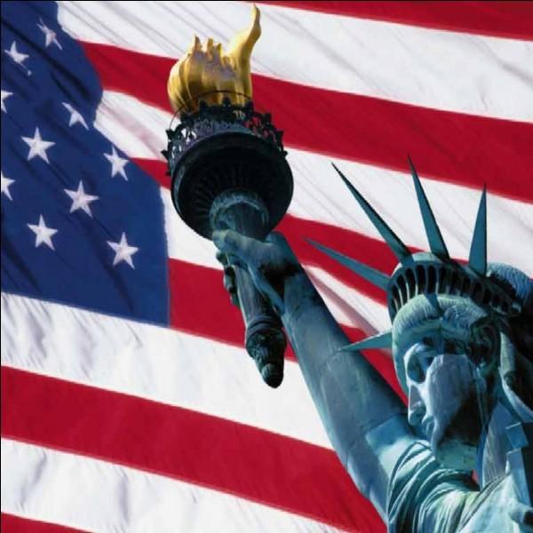 Il y a 50 étoiles sur le drapeau des États-Unis.