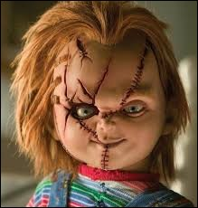 Comment s'appelle la poupée rousse qui fait peur à tout le monde ?