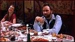Ce dîner de retrouvailles d'anciens copains d'enfance avait plutôt bien démarré, si ce n'est qu'un hôte connu alors se rappelle à leur souvenir d'une façon tout aussi affreuse que dans le passé. Quel est ce film?