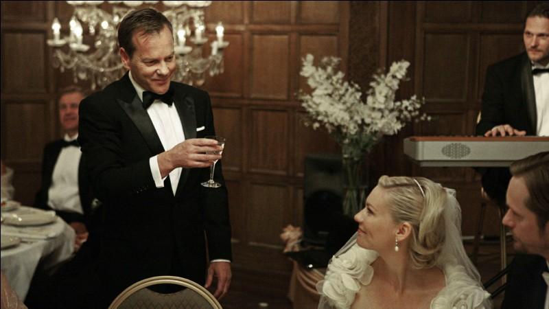C'est un repas de mariage que celui-ci, qui n'est pas des plus joyeux, car le monde au dehors, en fait, court à sa perte. Quel est ce film?