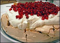 La pavlova est un gâteau australien ou néo-zélandais à base de meringue et de fruits. Sur la photo, ce sont :