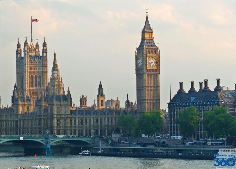 La capitale anglaise est...
