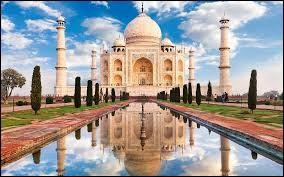 Dans quel ville d'Inde se trouve le Taj Mahal ?