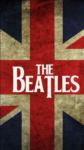 Il a fait partie des Beatles. Il est né en 1940, et meurt assassiné en 1980 à New York. Il s'agit de :