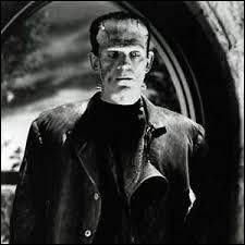 Frankenstein a été créé par un savant qui a assemblé des morceaux de cadavres ramenés ensuite à la vie.